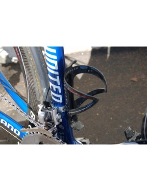 Bontrager also fits the team bikes with its carbon bottle cages.