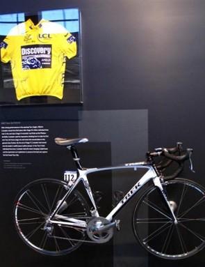 Contador's 2007 Tour de France jersey and Trek Madone.