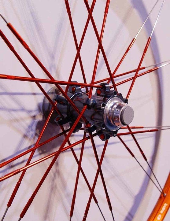 The Iodine front hub can be used with either 20mm thru-axle or 9mm quick-release forks.