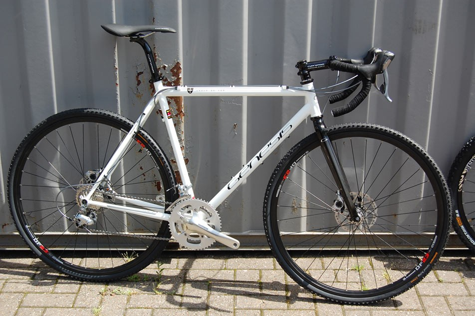 The Croix de Fer (Iron Cross) is the 'do-it-all' cyclocross bike from Genesis.