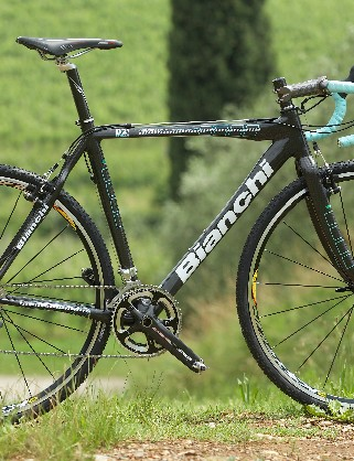 The D2 Cross frames are constructed with Bianchi's own UT500 carbon fibre