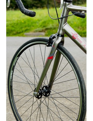 Pinnacle's P-fit system allows hassle-free adjustment of handlebar height.
