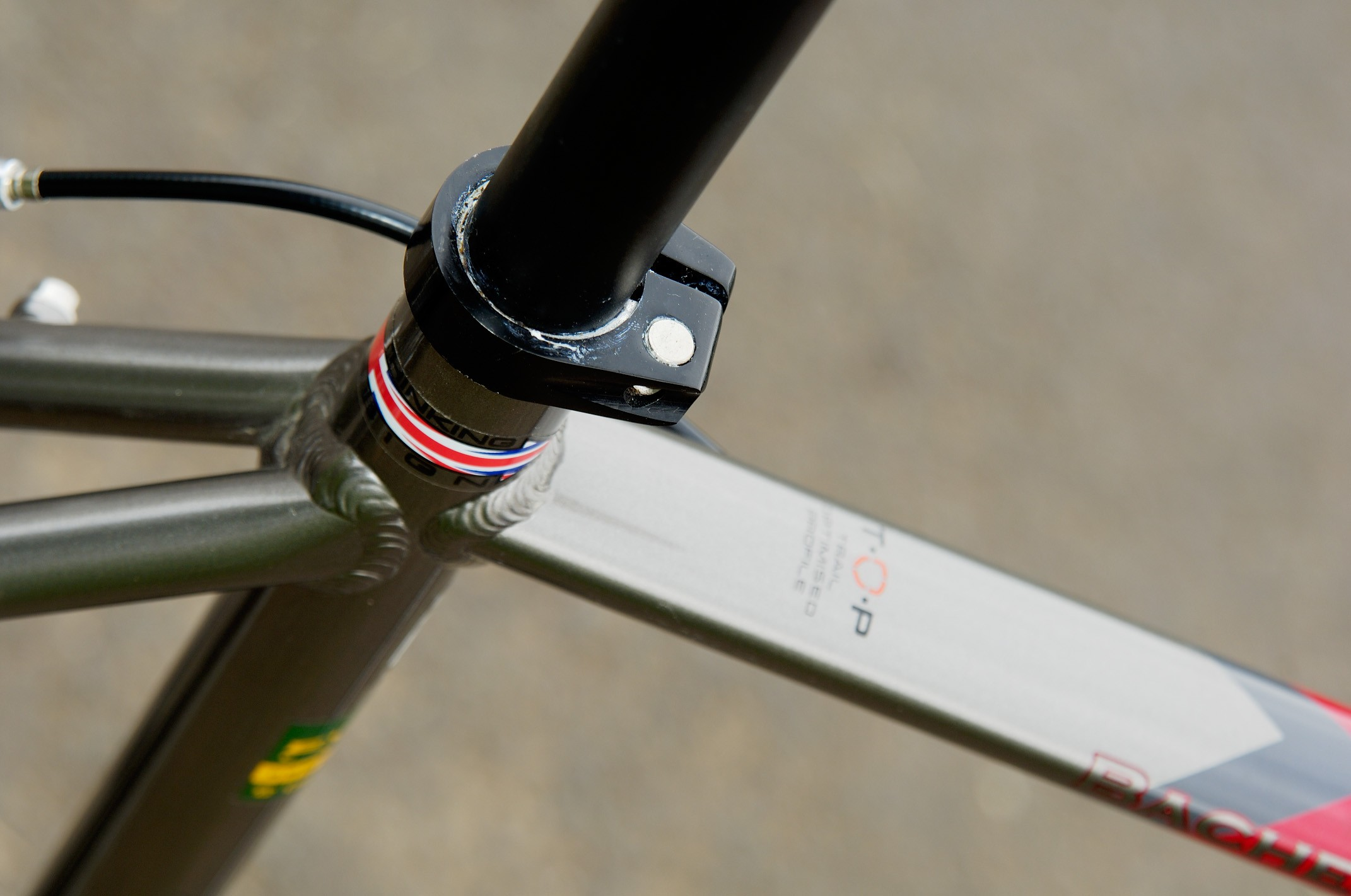 The distinctive top tube allows the use of lighter gauge tubing without resorting to industrial looking and weighty gusseting