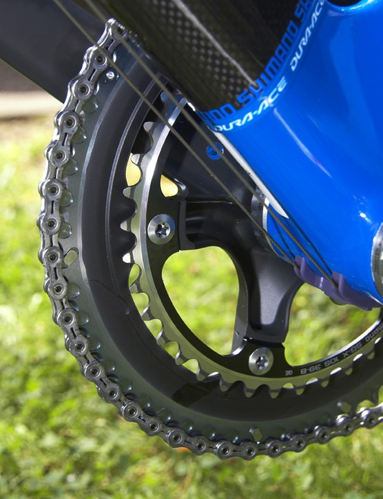 The aluminum chainring bolts thread from the back directly into the outer chainring.