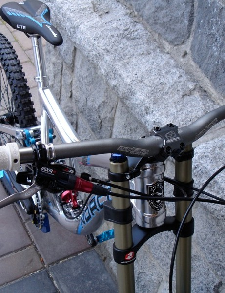 Sunline wide bars stay with the trend, racer boy friendly