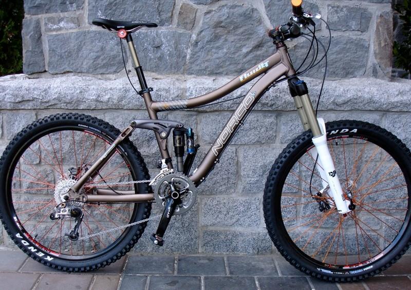 The top end Fluid LT, as ridden by Ryan Leech