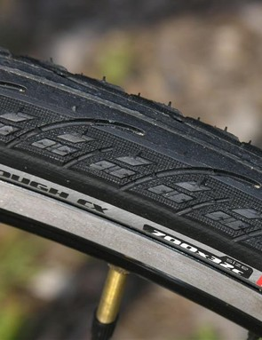 Versatile Specialized Borough tyres