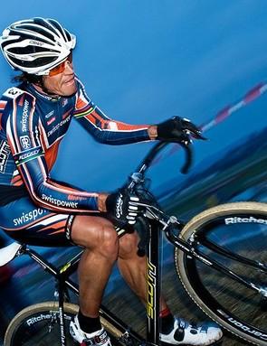 Thomas Frischknecht racing cyclo-cross.