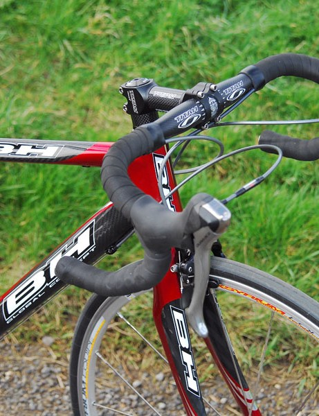 Flex in the carbon bar and stem adds to the handling woes.