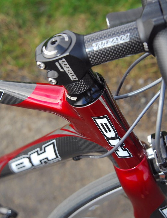 Plenty of spacers: less flexible riders will need them.