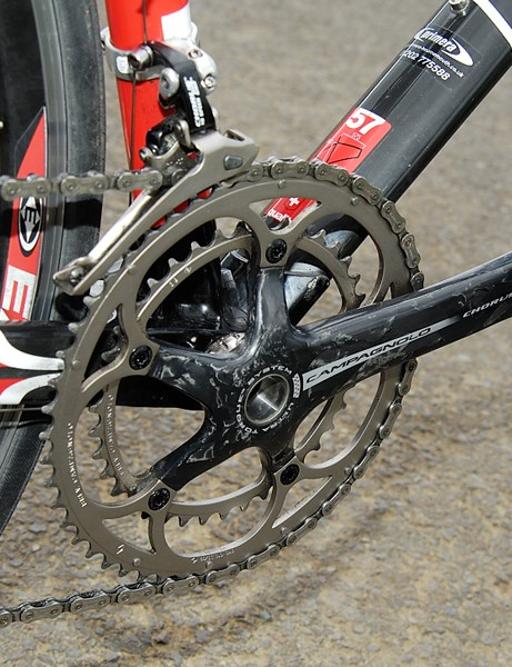 The crankset is carbon Campagnolo Chorus