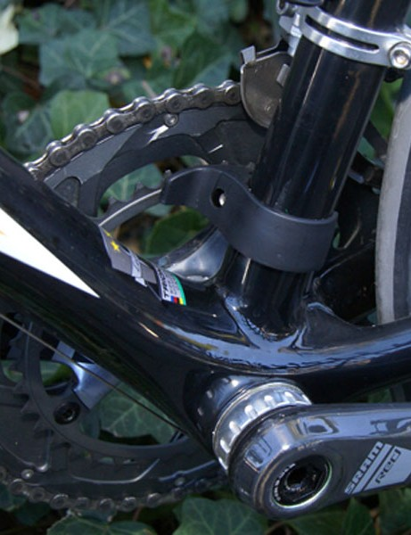 The down tube flows cleanly into the chain stays