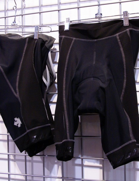 The C6 short and bib short sit at the top of the Descente range.