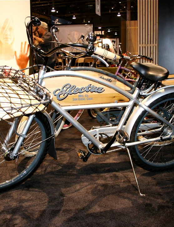 Electra continues its retro vibe with a stout paperboy delivery looking bike.