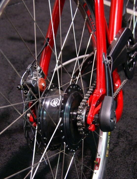 Ride 3 purchasers will be able to choose between a NuVinci CVP hub or a more traditional three-speed internal.