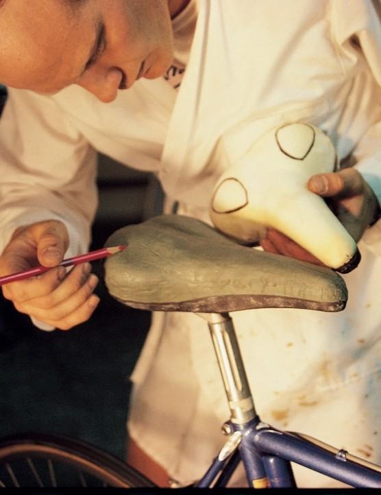 Gary Erickson mocking up a prototype Avocet saddle in the 1980s.