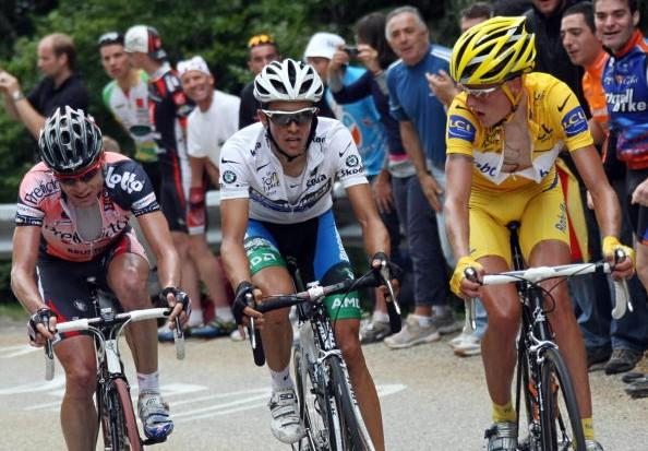 Cadel Evans, Alberto Contador and Michael Rasmussen in stage 14's titanic struggle