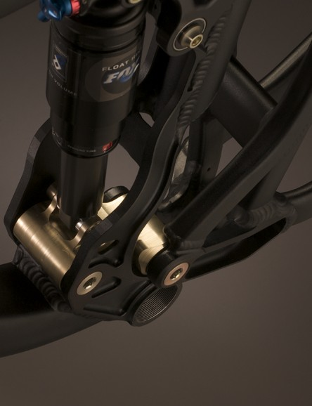 The Firebird comes with a Fox RP23 shock. A Fox DHX 5.0 is an option.