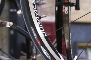 Some Française des Jeux riders used Hutchinson Fusion 2 Road Tubeless tyres on their Dura-Ace wheels