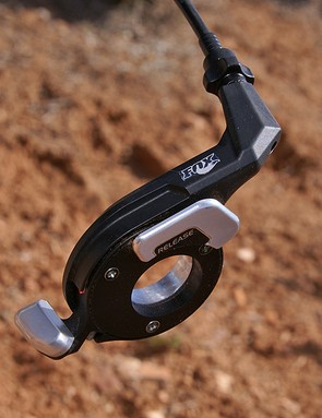 As with the 15mm thru-axle system, the lockout lever was designed in cooperation with Shimano.