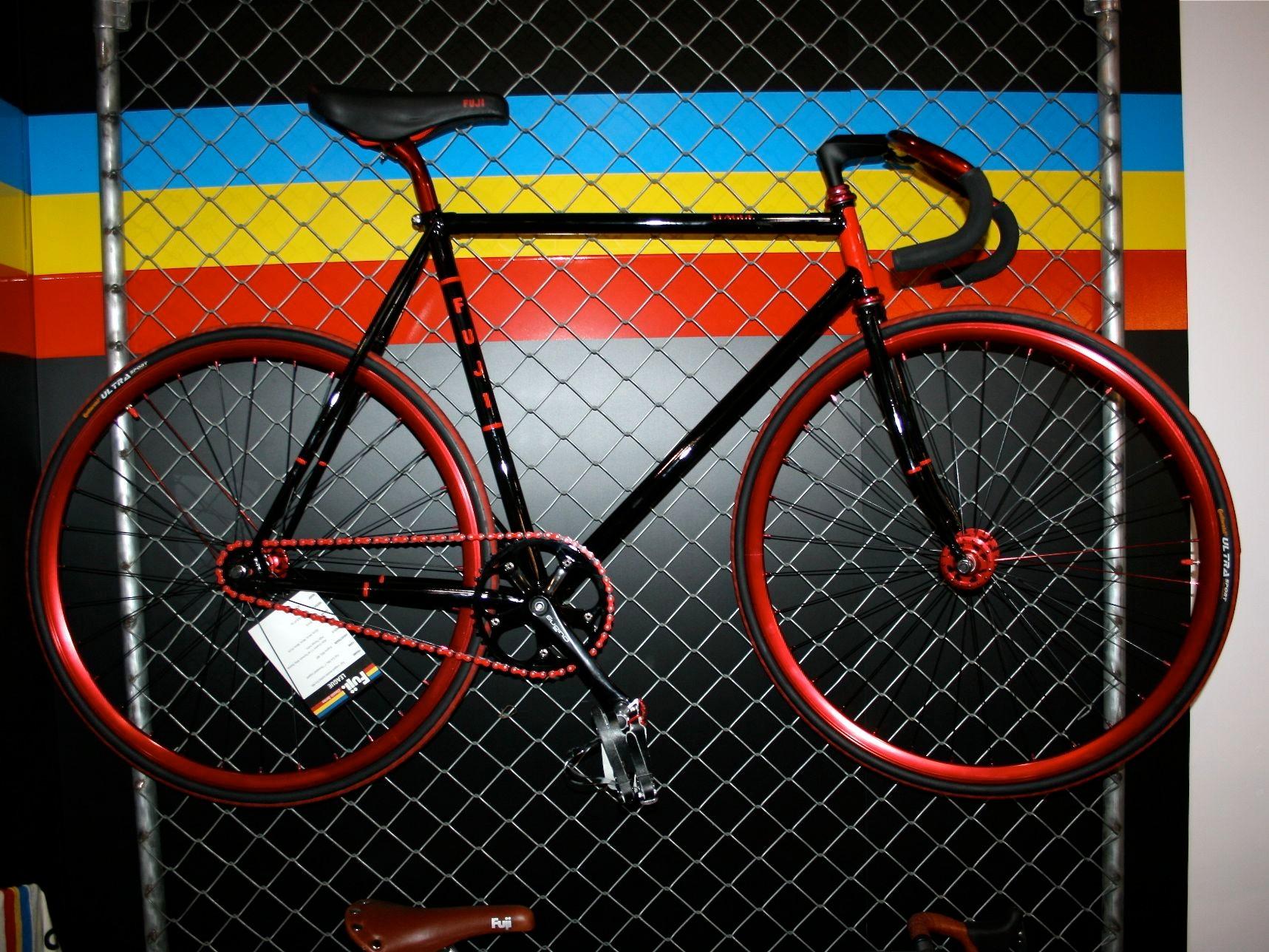 The Fuji League fixie...Satan's ride, perhaps?