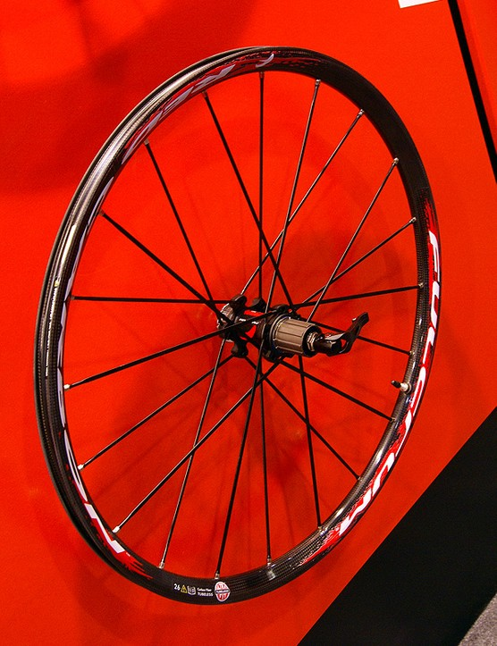 Fulcrum adds a carbon-rimmed Red Carbon cross-country wheelset to its lineup for 2009