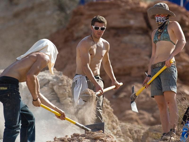 Gee, Dan and Rachel digging
