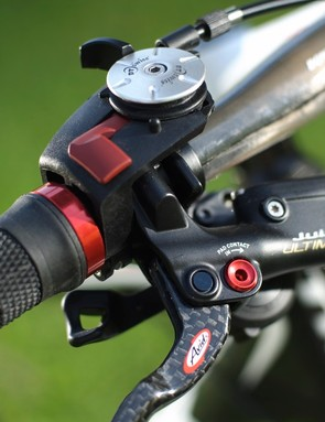 The DT Swiss shock can be locked out from the handlebar…
