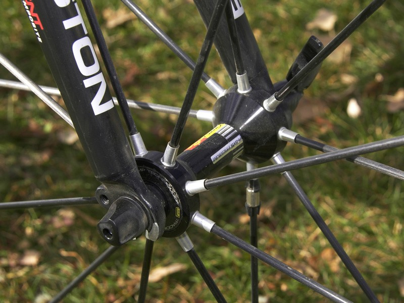 The tubular carbon spokes supposedly act in both tension and compression