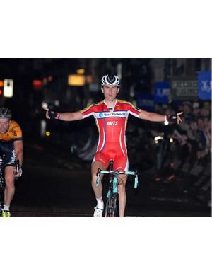 Geraint Thomas wins the Smithfield Nocturne