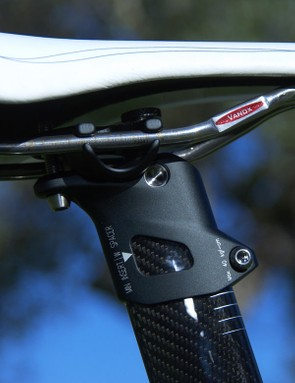 The newly refined seatmast head is far cleaner looking and offers 10mm or 23mm of setup simply by flipping the clamp hardware 180 degrees.