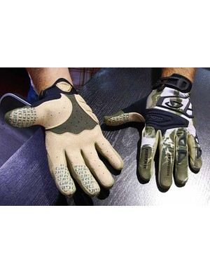 The all-mountain Xen gloves include siliconized fingers for better grip and a bit of padding at the base of the palm.