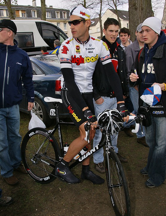 High Road's George Hincapie passed over his special Paris-Roubaix machine & used a more normal Giant