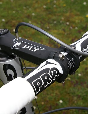 The extra security of an aluminium handlebar should be very welcome come cobble time.