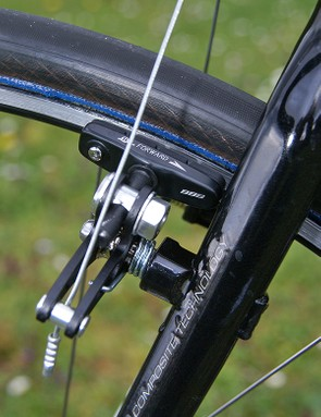 The wide-profile brakes deliver maximum rim clearance but the lever feel leaves much to be desired.