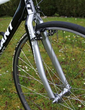 The fork is supposedly borrowed from Giant's 'cross frameset.