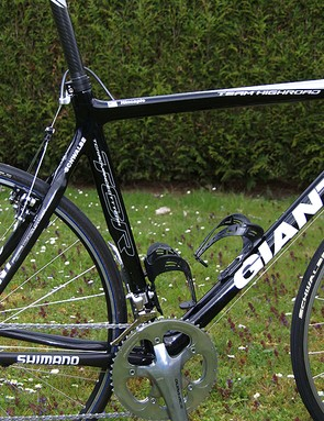 Hincapie's carbon frame resembles Giant's OCR model more than the race-oriented TCR