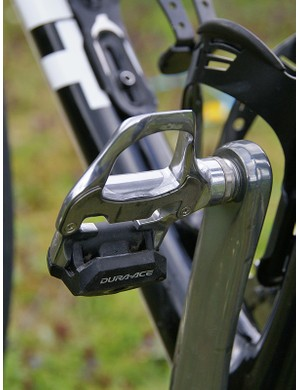 The Dura-Ace SPD-SL pedals provide Hincapie with plenty of surface area.