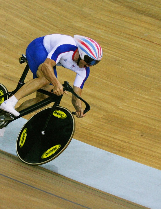 Hoy gets his sprint legs on in Manchester
