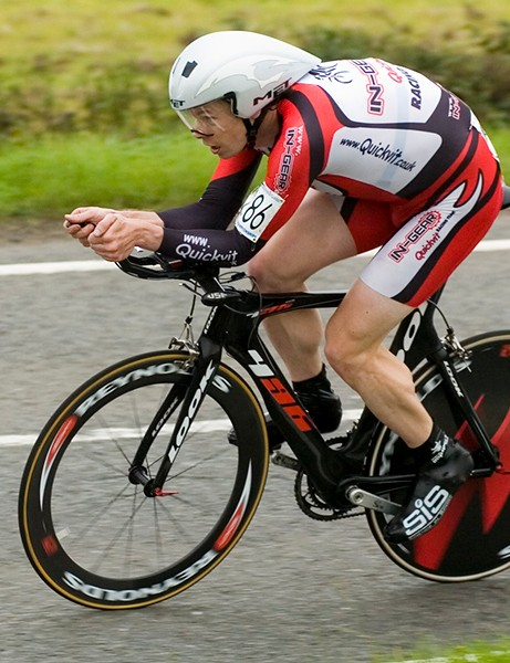 Michael Hutchinson en route to winning the 2008 men's British time trial championships