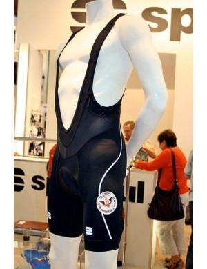 Sportful claims that the Total Comfort shorts improve efficiency of movement and help to fight off fatigue.