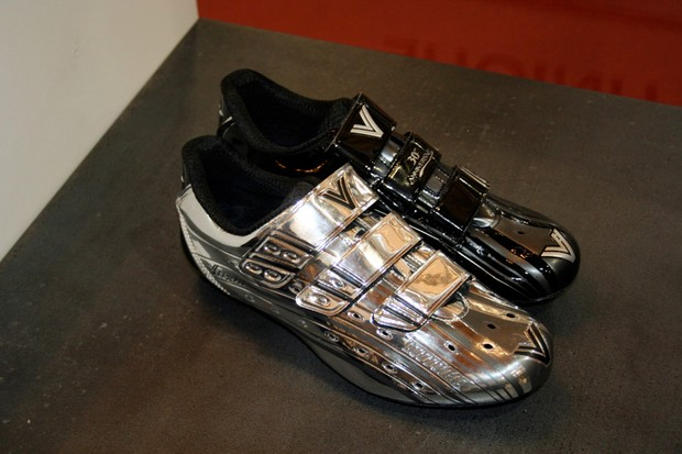 Vittoria's range-topping Unique shoes have had a slight graphics change for 2009…