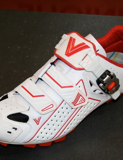 The Supra MTB is a new addition to the top of Vittoria's MTB range.
