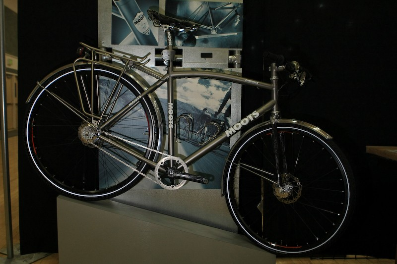 Moots is best known for its high-performance bikes but this 'Comooter' is one of the finest utility bikes we've seen