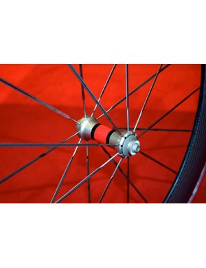 The new SRAM wheels	use the same hubs as Zipp Flash-Point with straight-pull aero spokes by Sapim.
