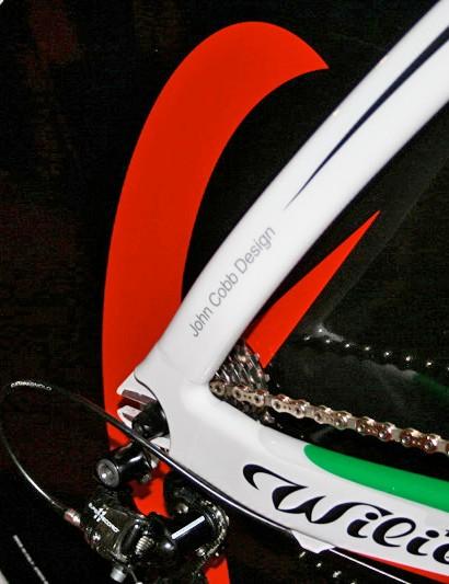 The Cento Crono was developed with help from aerodynamics guru John Cobb.