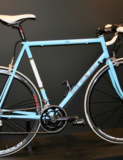 … and even steel with frames like the classically styled Neo Primato.