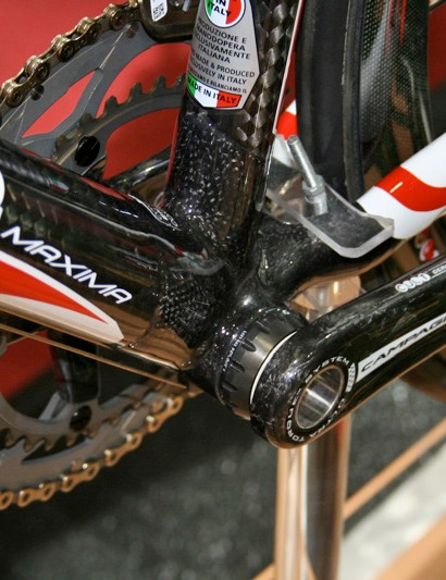 The Maxima's bottom bracket area has been stiffened and is now available with BB30 compatibility.