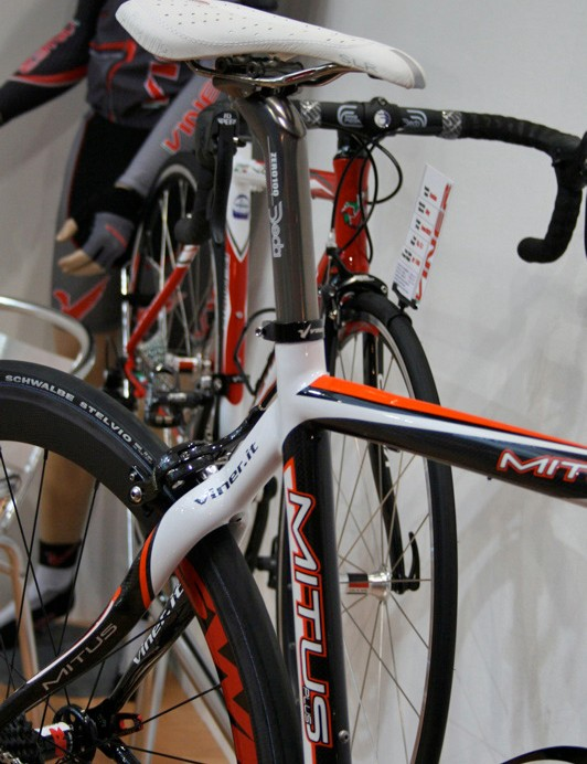 The conventional seat post is just one of a range of options including BB30.