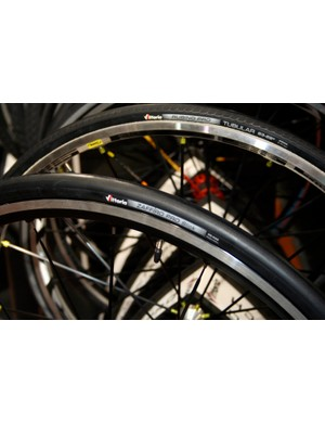 The Vittoria Zaffiro Pro is now available as a slick version…